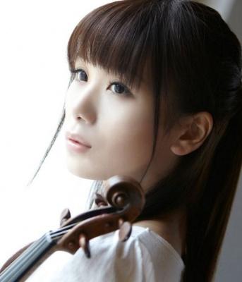 石川綾子の画像