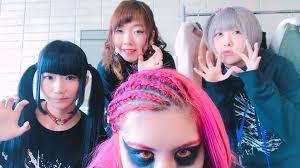 アイドルShiX(シックス)が有吉反省会に!メンバーのすっぴん画像や年齢は?